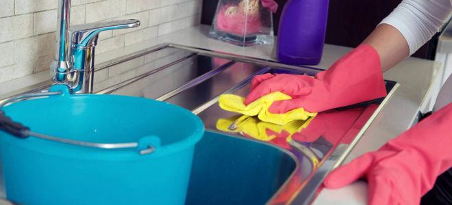 Очищаем кухонную мебель от жирных пятен