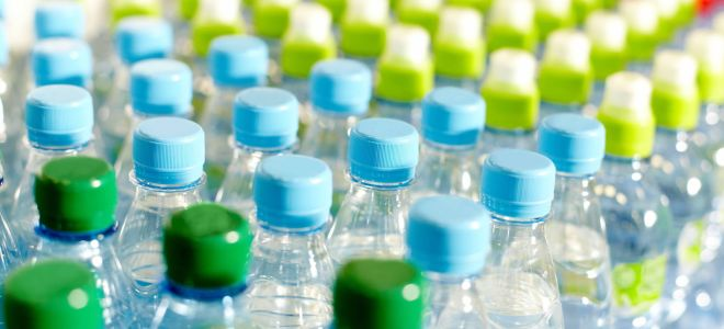 Как соорудить диван из пластиковых бутылок своими руками