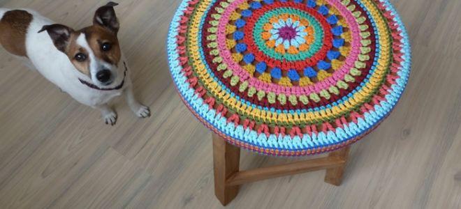 Вяжем своими руками накидки на круглые и квадратные стулья