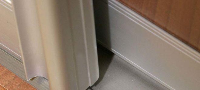 Как можно отрегулировать двери шкафа-купе своими руками?