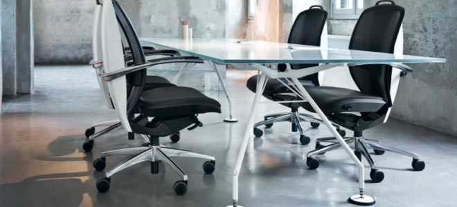 Работа за компьютером: регулировка офисного кресла