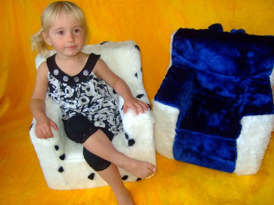Кресло ребенку из поролона своими руками
